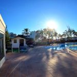 recepción y piscina 2